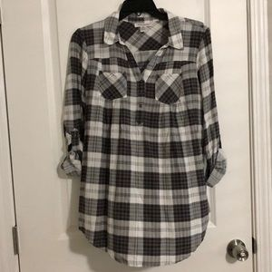 Gray and White Plaid Flowy Maternity Top